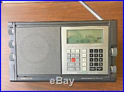 GRUNDIG SATELLIT 700 FM/AM/SW Portable World Radio