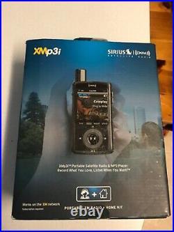 NEW Sirius XM XMP3i Portable Satellite Radio & Home Kit Records Christmas gift